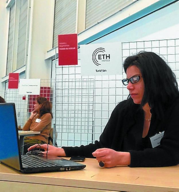 Sonia Parada, directora del Hotel ETH de Irun, ayer en Turislan./