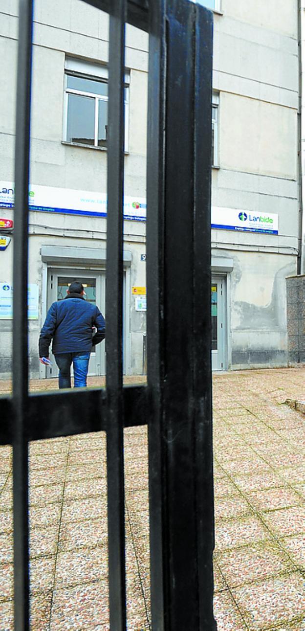 Soraluze y eibar lideran el ranking de mayor desempleo de for Oficinas lanbide