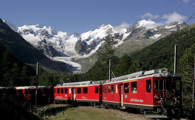 20 personas mueren en accidente de un avión antiguo, en Suiza