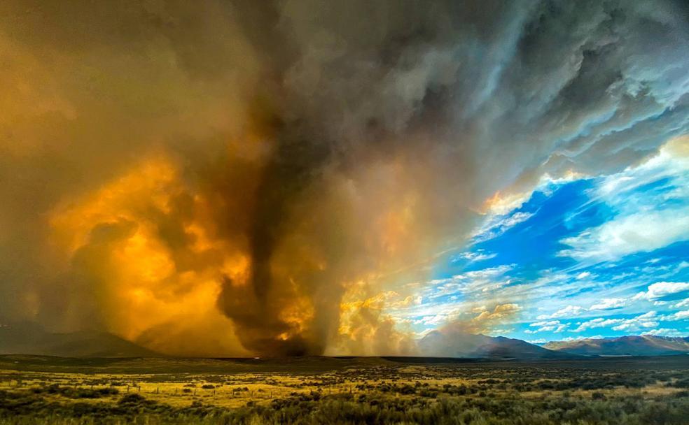 Un devastador tornado de fuego arrasa el norte de California