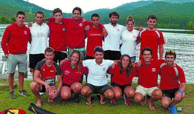 Equipo de Santiagotarrak que participó en el estatal de sprint./