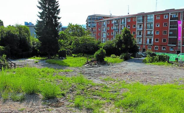 Renovación. El ámbito Alarde-Olaketa, donde se construirán viviendas, plazas de garaje, equipamientos públicos y bajos comerciales./