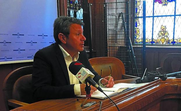 El alcalde anuncia que las tasas e impuestos se congelarán en 2019
