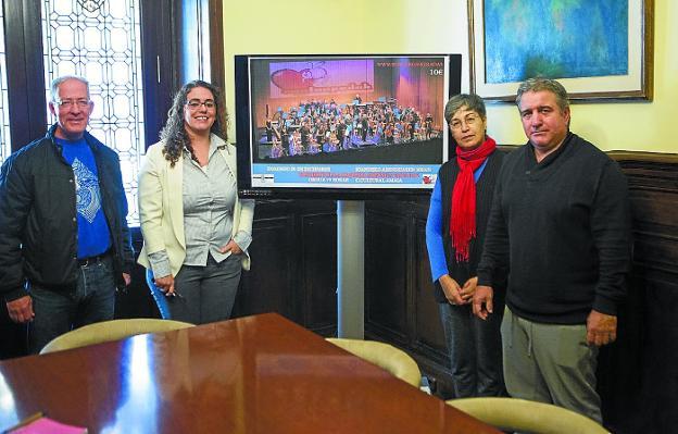 Josean Gómez, Mónica Martínez, Raffaela Acella y Fernando de la Hera, en la presentación del concierto./