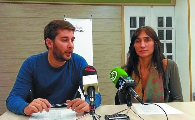David Soto y Miren Echeveste, ayer en rueda de prensa. /F. DE LA HERA