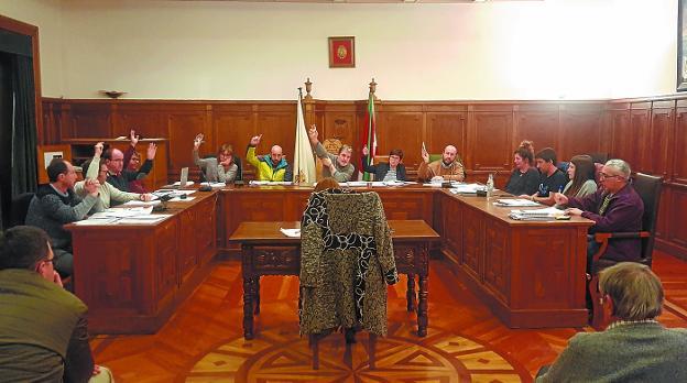 95e7e4d7be71 El Ayuntamiento aprueba un presupuesto de 7.929.641 euros para este ...