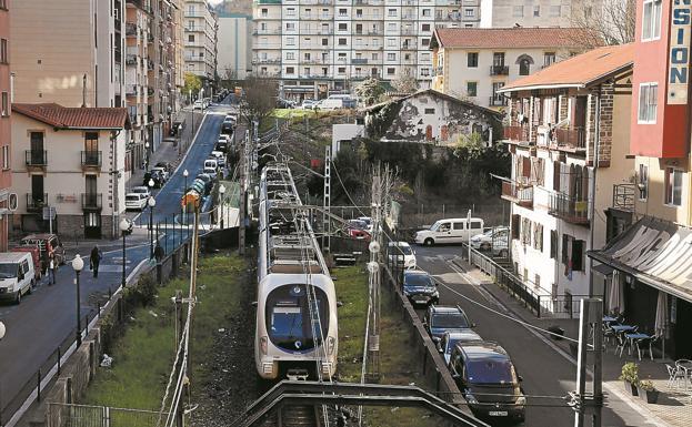 El Topo se integrará en la regeneración ferroviaria de Irun y contará con una «parada intermodal»