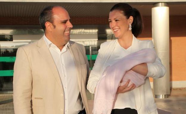 Julio Ruz Pide La Custodia Total De La Hija Que Tiene Con María