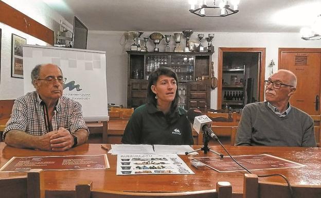 Melquiades Bohada, Amaia Monasterio y Herminio Nuin presentaron los resultados de la campaña./DE LA HERA