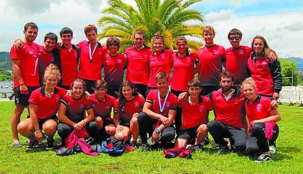Equipo de Santiagotarrak que participó en la Copa de España./