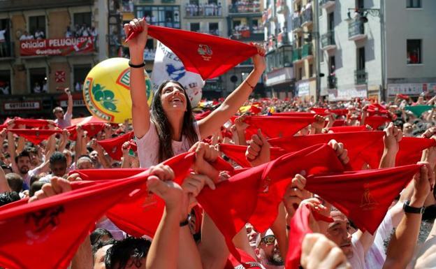 De trato fácil Arenoso estación de televisión  San Fermín 2019: Un chupinazo musical abre los Sanfermines | El Diario Vasco