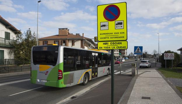 El Ayuntamiento deberá retirar señales como las que aparecen en la imagen. / F. DE LA HERA