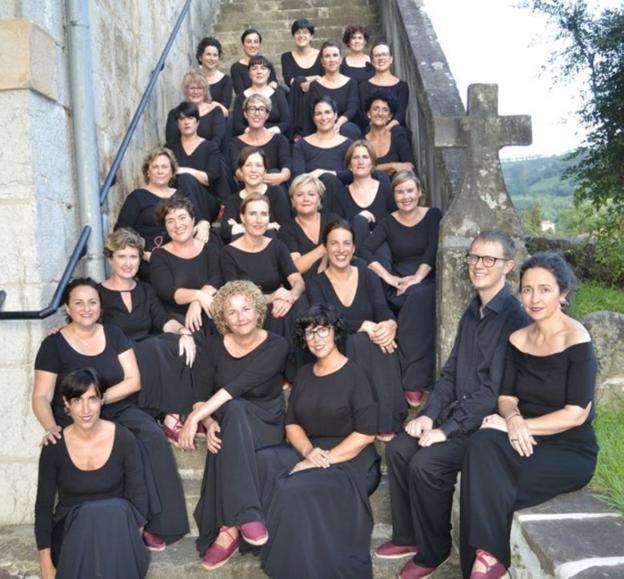 El coro irundarra Náyade, que participa en el espectáculo 'Erritu'./