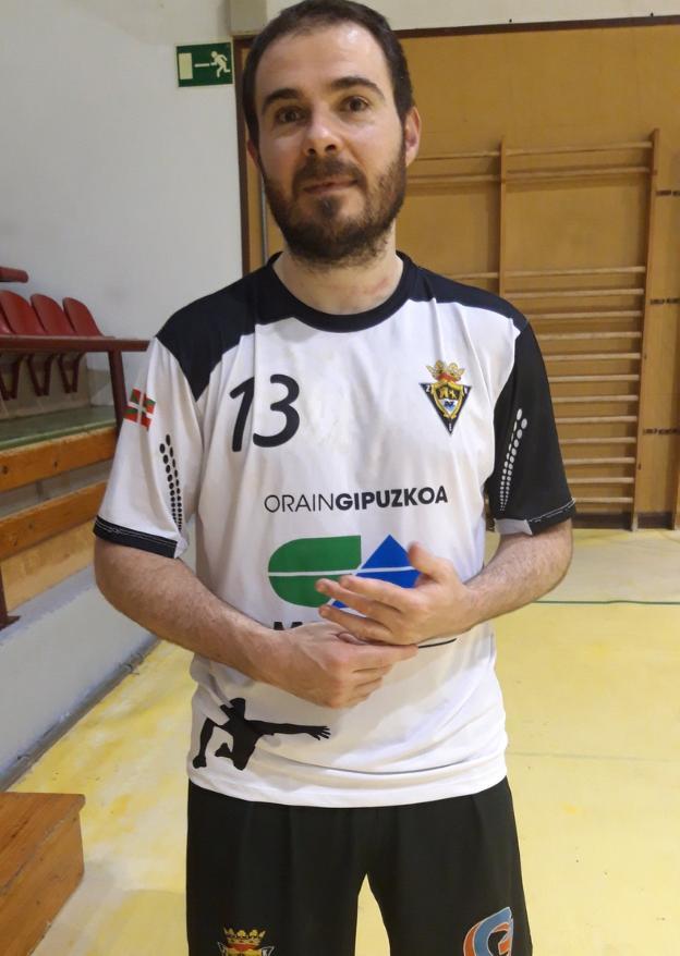 Mikel Iraeta lleva siete temporadas con el Amenabar Zarautz. / ETXEBERRIA